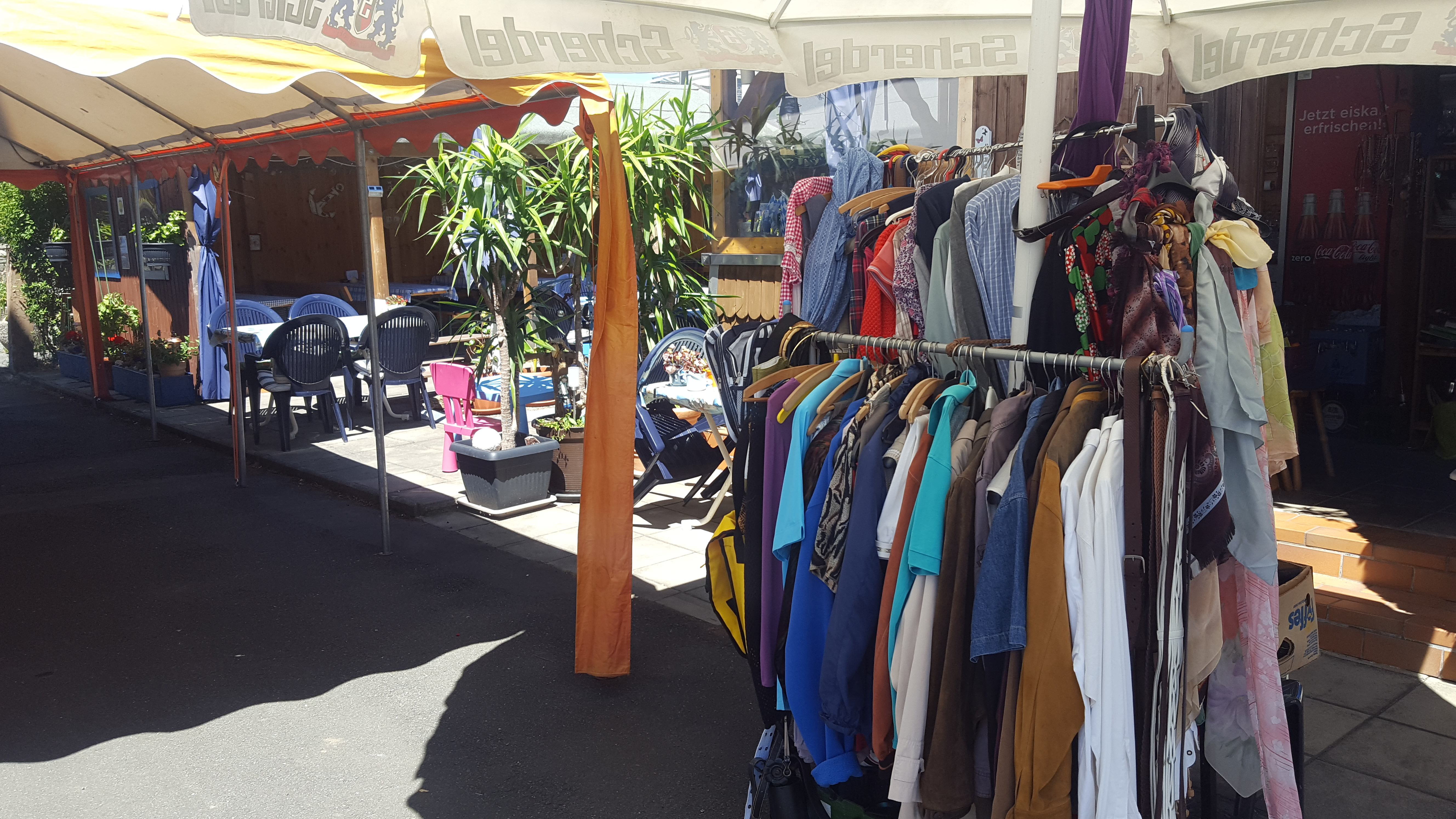 The flea market stands next to our beergarden